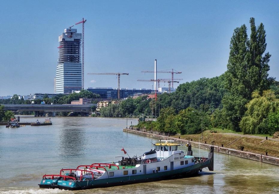 Machen Wir Doch Nu00e4gel Mit Ku00f6pfen Baselland Und Basel-Stadt Bauen Gemeinsam Ein Neues Uni-Spital