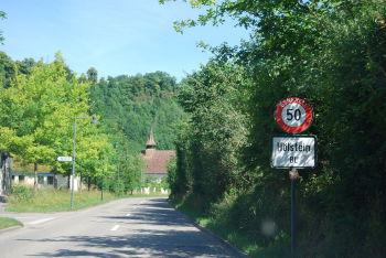 1200px-Hoelstein_115